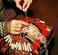 Pr sentation de l 39 atelier cours de dentelles du puy en - Cours de guitare le puy en velay ...
